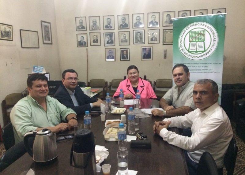 Conselheiro se reúne com economistas paraguaios