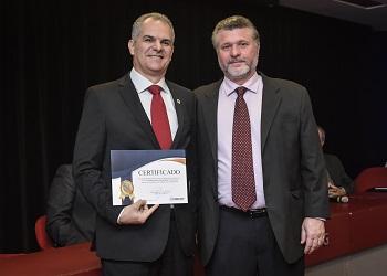 Presidente do Cofecon prestigiou solenidade de posse da nova presidência do Corecon-MG