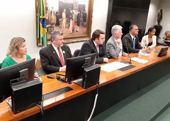 Na Câmara, presidente atua em mobilização contra PEC 108