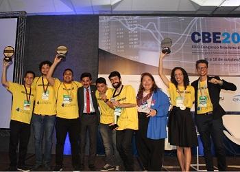Encerramento do XXIII CBE premiou estudantes da Gincana e aprovou Carta de Florianópolis