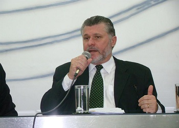 Presidente do Cofecon revela preocupação com BNDES
