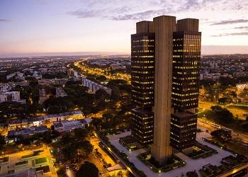 Conselheiro federal comenta, em entrevista à Folha de SP, venda de reservas internacionais