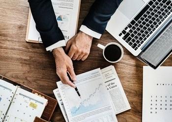 Oportunidade de qualificação: Sindecon-SP está com inscrições abertas para os cursos de Reestrutuação Empresarial e Perícia