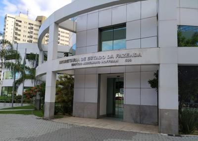 Sefaz/ES abre 10 vagas para economistas; salário inicial de R$ 9,6 mil